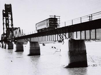 国鉄佐賀線時代の昇開橋2